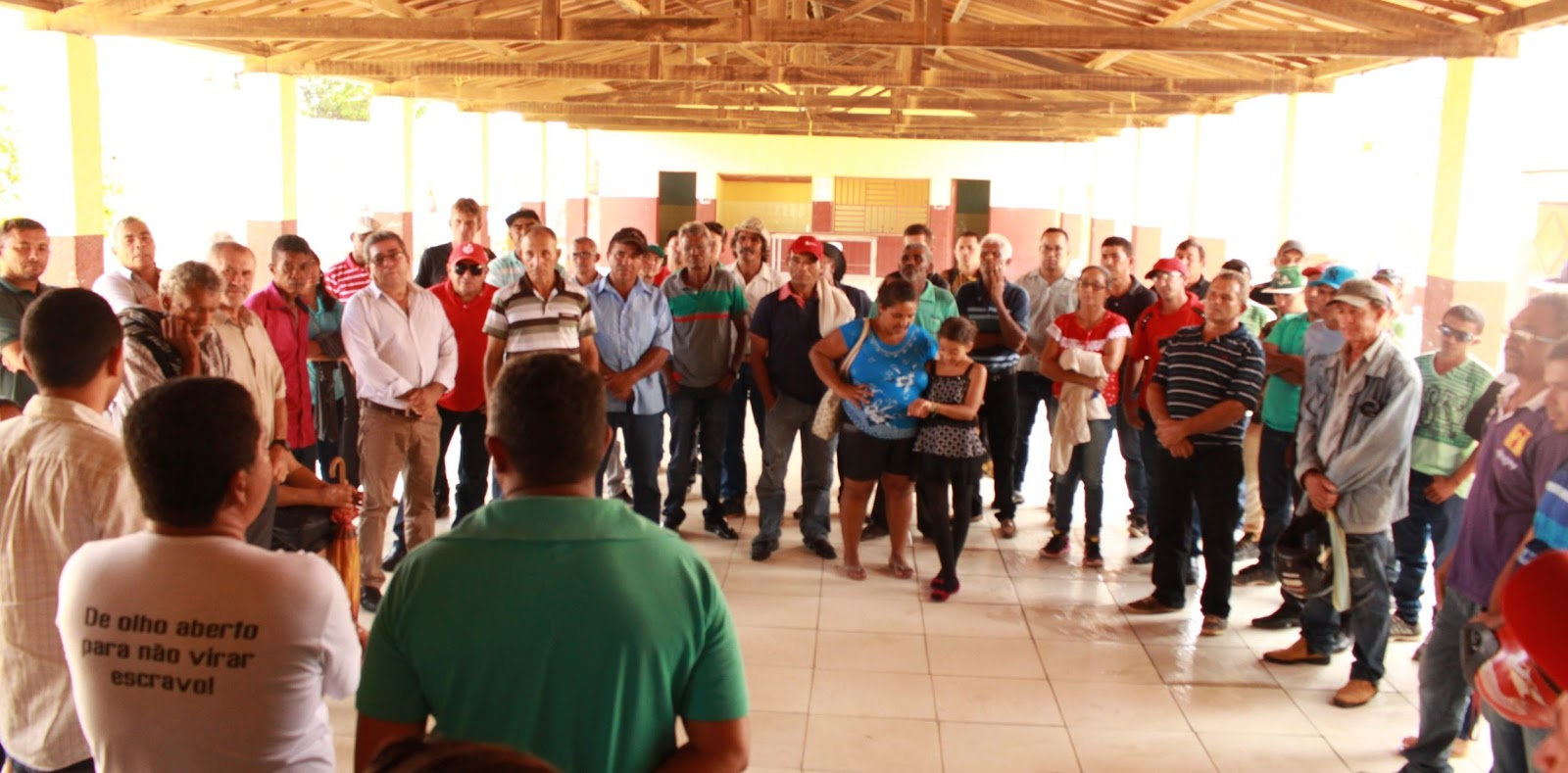 Comunidades reunidas no dia dos depoimentos